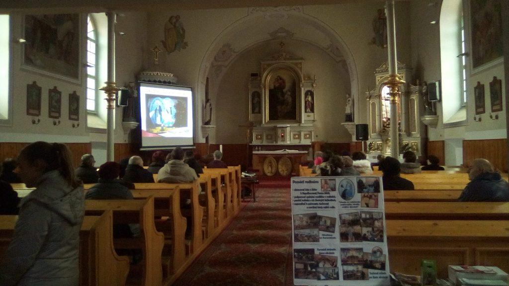 Návšteva vo farnosti Dulovce a požehnanie kaplnky PM