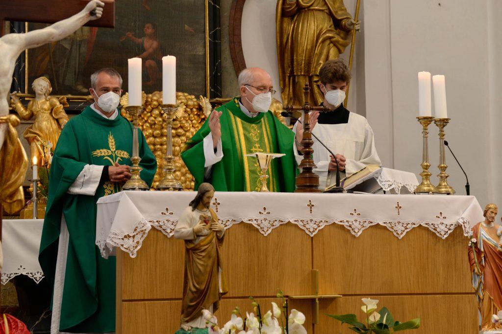 Požehnanie kaplniek v Brezovej pod Bradlom